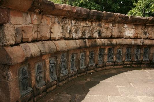 64 yoginis Hirapur 800-talet